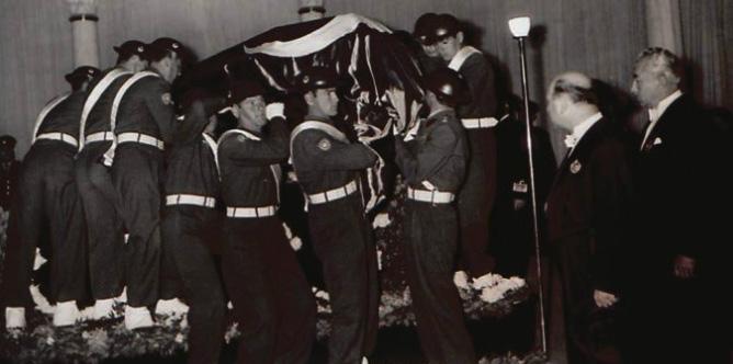"""1953 ataturk2 zps488c442b - Atatürk'ün Yüzünü Son Görenlerden Biri """"E. Tümg. Remzi Güner"""""""