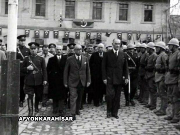 """""""Asker ve Devlet Adamı Atatürk"""" Panelinden Atatürk Resimleri - mustafa-kemal-ataturk-yuce-atam"""