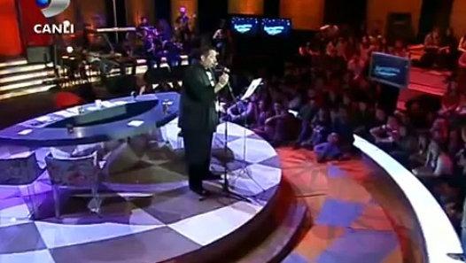 ata demirer facebook - Ata Demirer'den Facebook Şarkısı