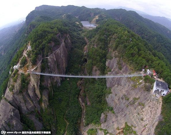 """china cam kopru zps2ymjryxy - Dünyanın En Uzun Cam Köprüsü """"Cesur İnsanlar Köprüsü"""""""