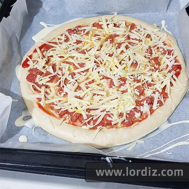 Sevdiğim Lezzetler; Ev Yapımı Harika Bir Pizza Tarifi - karma