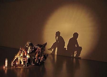 glge1jz5 zpsizjahfba - Tim Noble ve Sue Webster'dan Çöp Gölge Sanatı