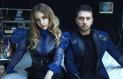 """""""Hayal Köseoğlu & Tarık Sarul – Benim Dünyam"""" Şarkı Sözleri"""