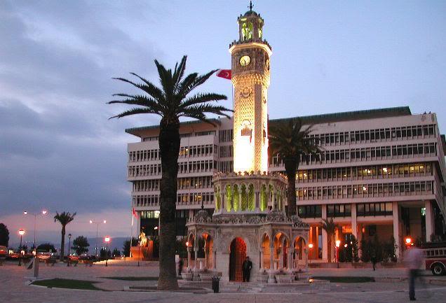 Bundan 29 Yıl Önce İzmir ve Saat Kulesi