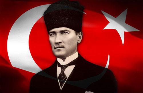 """Turgut Özakman'ın Kaleminden """"Dersimiz Atatürk"""""""